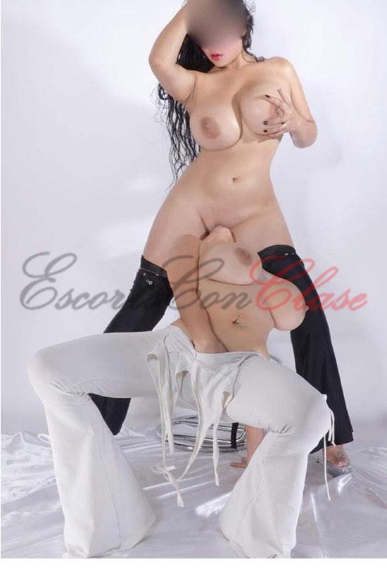 Sexo lésbico real entre dos escorts bonaerenses. Sabrina y Lucia