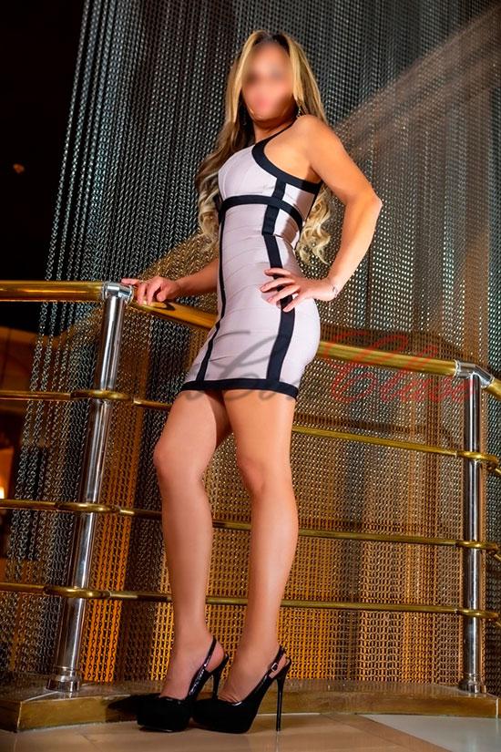Vera trabaja en Sevilla de escort de lujo con elegancia e independencia
